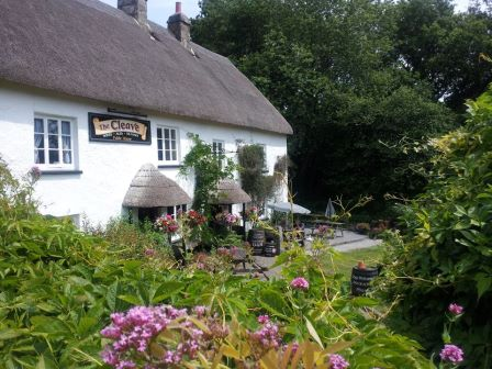 Lustleigh's village pub close to our dartmoor holiday cottage