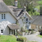 Chocolate Box Thatched Dartmoor Holiday Cottage in Lustleigh, Devon