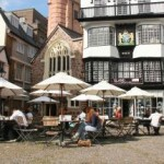 Devon's capital city of Exeter is only a 30 minute drive from this holiday accomodation