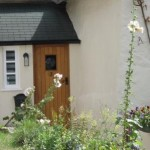 Entrance to the thatched dartmoor holiday self catering accommodation
