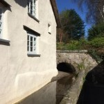 The leat that runs alongside this dartmoor holiday cottage