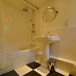 Main bathroom of Three Pound Cottage self catering accommodation on Dartmoor