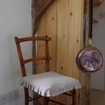 Twin room of thatched dartmoor holiday rental in Lustleigh Devon